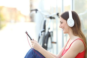 How-Music-Can-Help-With-Stress